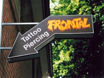 Tattoo Piercing Frontal